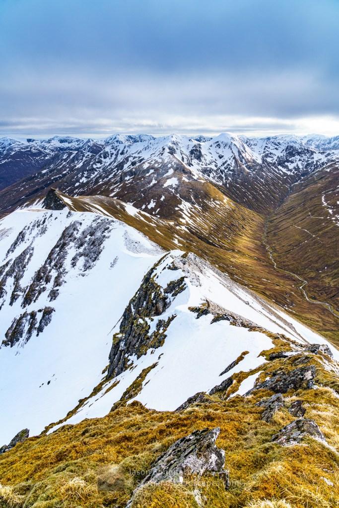 South from the summit of Ciste Dubh to Aonach Meadhoin and Sgurr an Fhuarail, Lochalsh & Knoydart